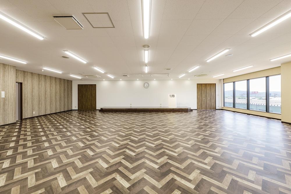 多目的ホール:主に社員研修や勉強会に使用されています。
